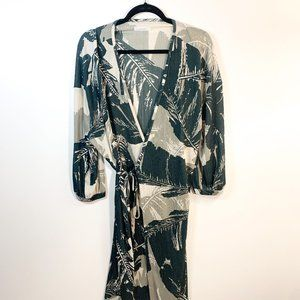 Oak + Fort Leaf Print Soft Wrap Dress Size Small